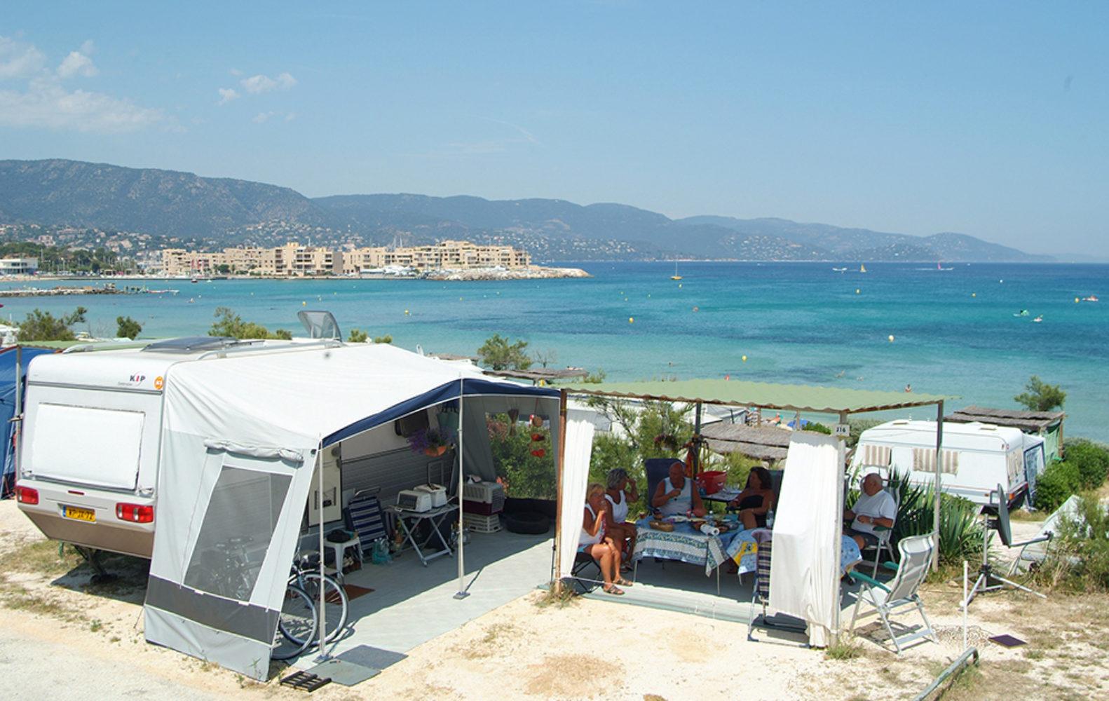 Camp du Domaine-Emplacement tente vue Mer