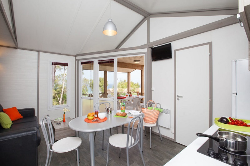 bungalow-mobil home-location-famille-camping-var-vacances-luxe-climatisation-camp du domaine