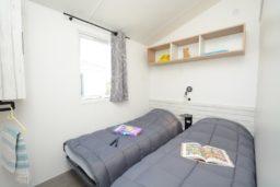 chambre-enfants-location-bormes-bungalow-mobil home-camp du domaine