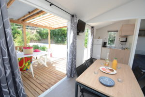 location-bormes-bungalow-mobil home-famille-camp du domaine