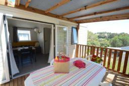 location-bormes-bungalow-moderne-mobil home-famille-camp du domaine-nature