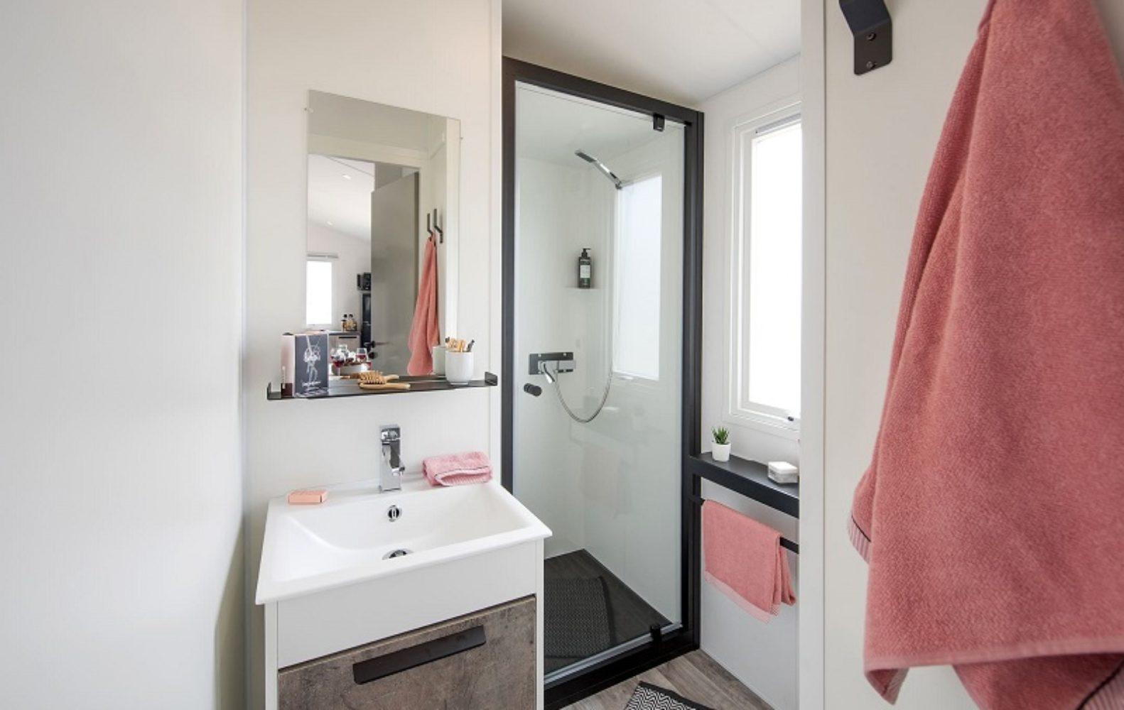 BIKINI-Salle de bain-Camp du Domaine
