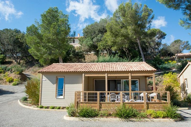 location-bungalow-cottage-camp du domaine-terrasse-vue mer-camp du domaine