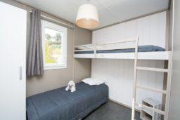 bungalow-famille-luxe-confort-vue mer-vacances-bormes-climatisation-enfants-camp du domaine