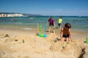 Concours château de sable sur la plage du camping
