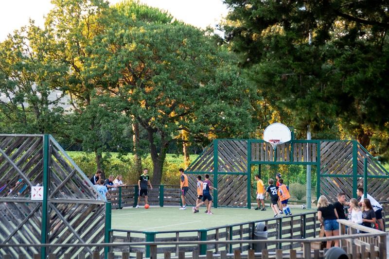 animation-mini club-enfants-club enfants-activité-famille-camp du domaine-football