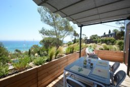 location-vue mer-panorama-moderne-bungalow-4 personnes-terrasse