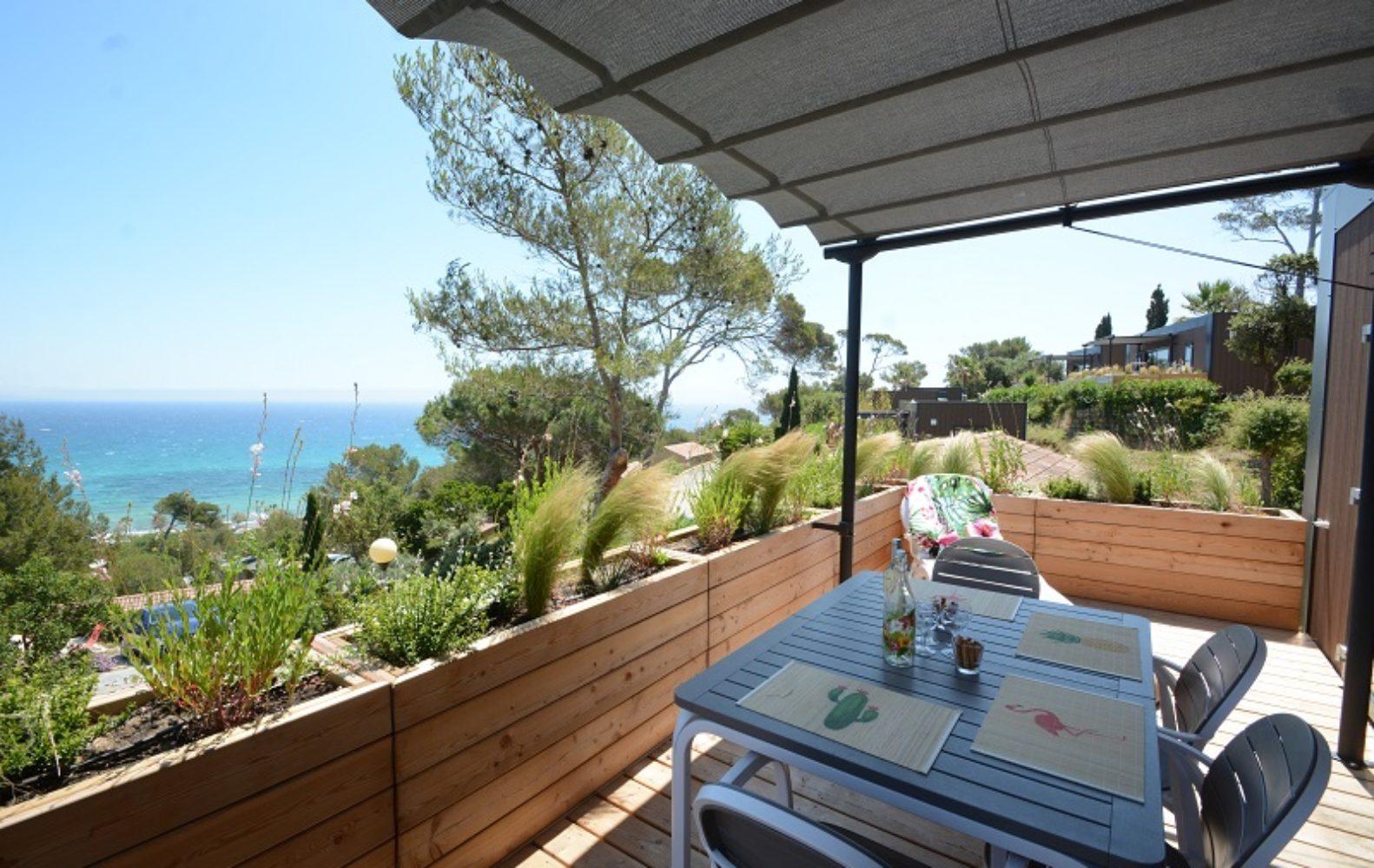 Terrasse avec vue sur la mer Oasis