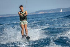 ski nautique-wake board-sport-plage-vacances-soleil-activité-sortie-camp du domaine