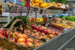 supérette-supermarché-service-camping-restaurant-boisson-cave-vin-fruits-légumes-marché-frais-camp du domaine