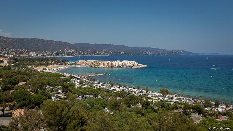 vue aérienne-plage-accès direct-vacances-luxe-camping-détente-caravane-tente-été-camp du domaine