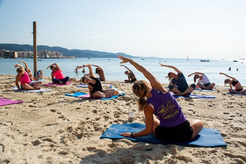 yoga-sport-plage-vacances-soleil-activité-sortie-camp du domaine
