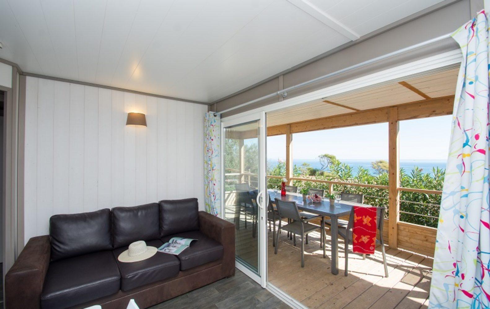 Salon et terrasse Zen
