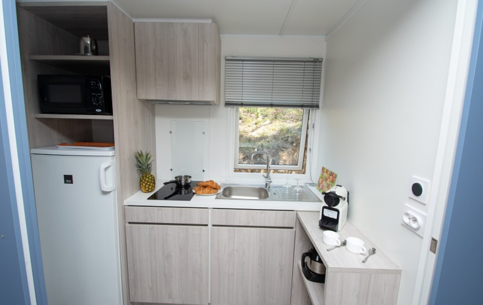 DUO/DUOBIS-Keuken hoek-Camp-du-Domaine